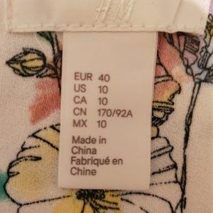 H&M Dresses - Beautiful H&M Floral Ruffle/Layered Bottom